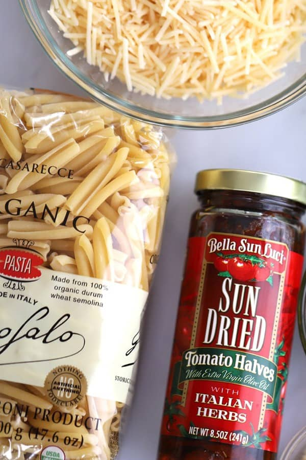 sun dried tomato alfredo pasta bake ingredients