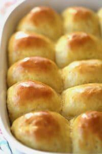 Homemade einkorn dinner rolls