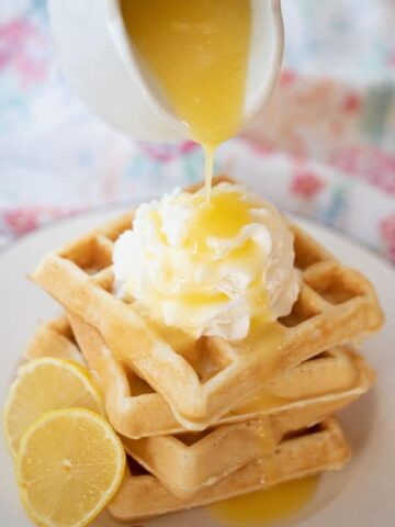 This lemon syrup recipe is naturally flavored with fresh lemon juice and lemon zest. It's the perfect syrup recipe for pancakes, waffles, Fresh toast or ice cream.