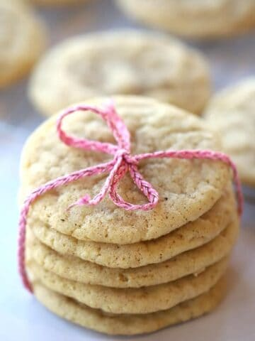 snickerdoodle cookies tied with a ribbon