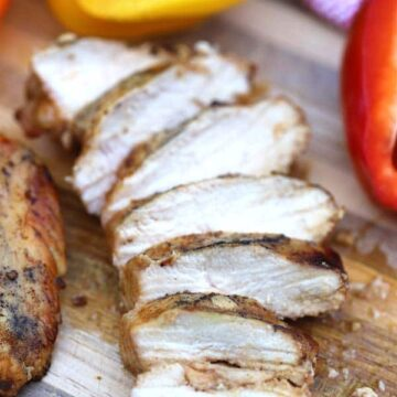 southwest grilled chicken sliced on cutting board