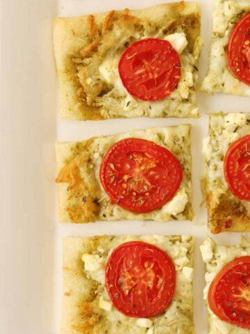3 cheese pesto tomato flatbread recipe